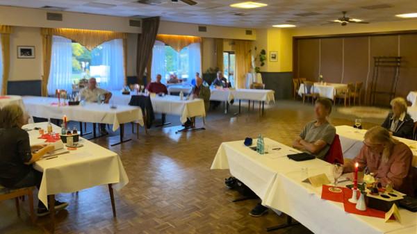 Bild von einer Mitgliederversammlung